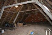 Te renoven huis met schuur Ref # Li454 foto 10