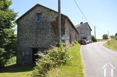 Dubbel woonhuis met bijgebouwen Ref # Li470