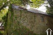 Huisje met diverse schuren Ref # Li529 foto 35