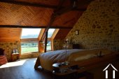 Goed gerenoveerd huis aan een meer Ref # Li547 foto 39