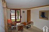 Goed gerenoveerd huis aan een meer Ref # Li547 foto 19