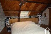 Goed gerenoveerd huis aan een meer Ref # Li547 foto 38