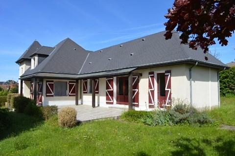 Dubbele woning met 2.479 m² tuinkavel Ref # Li562