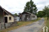 Kleine dorpswoning met grote schuren Ref # Li575 foto 15