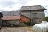 Kleine dorpswoning met grote schuren Ref # Li575 foto 22