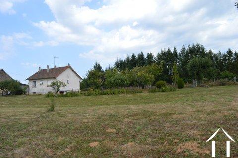 Leuk huisje met mooi uitzicht Ref # Li586