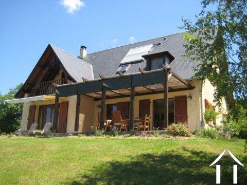 Comfortabel huis met prachtig uitzicht Ref # Li612