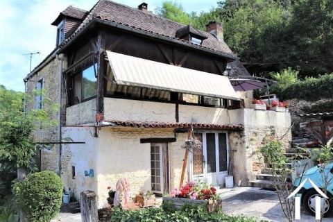 Set van 2 huizen in de Périgord Noir met prachtig uitzicht. Ref # MPLS1012
