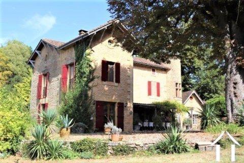 """Prachtig landhuis 'en pierre"""" met 3 gites en ruim 1.5 ha terrein. Ref # MPLS1016"""