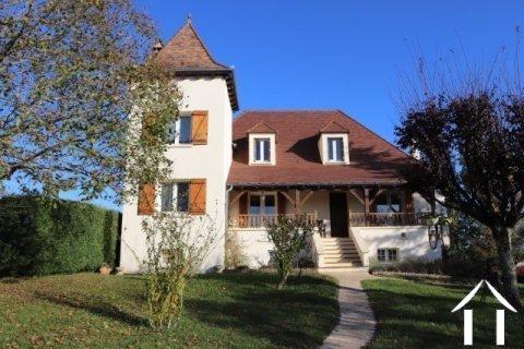 Mooi huis in Quercy-stijl met zwembad en 5600 m² terrein Ref # MPLS1024