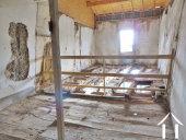 Dorpshuis met een totaal van 225 m2 geheel te renoveren Ref # MP9041 foto 25