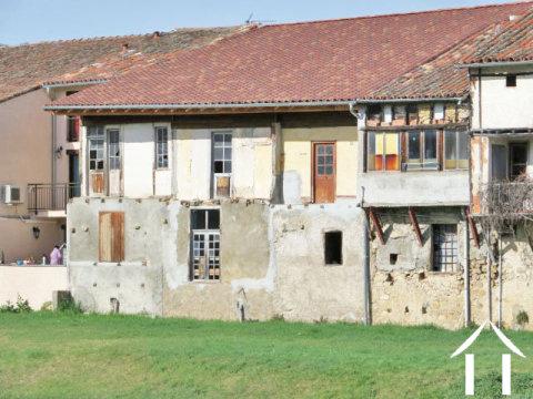 Dorpshuis met een totaal van 225 m2 geheel te renoveren Ref # MP9041 Hoofd foto Ger Haubtbild