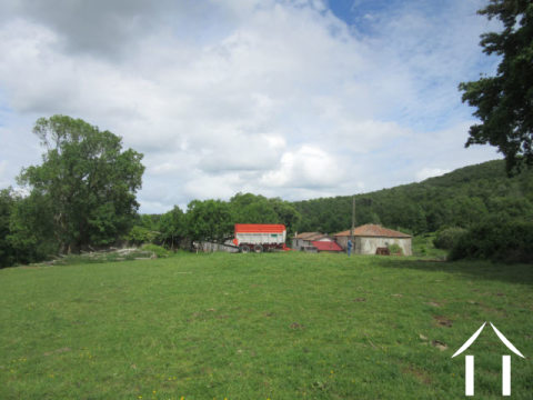 Domain 195ha with 2 houses, outbuildings, source... Ref # MP9052