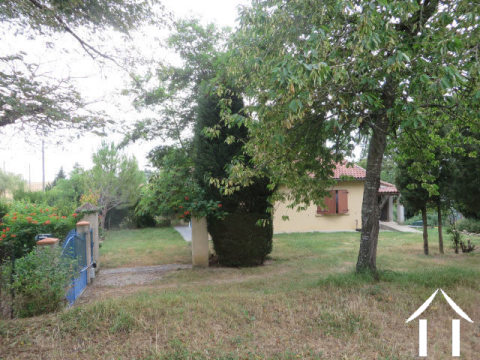 Villa on 2958m2 of land with view to the Pyrenees Ref # MP9053 Hoofd foto Ger Haubtbild