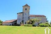 """Prachtig gerenoveerd 11e eeuws domein 'en pierre"""", met chambres d'hôtes en gites, zwembad en een fenomenaal uitzicht met 3.4ha Ref # MPLS1004 foto 15"""