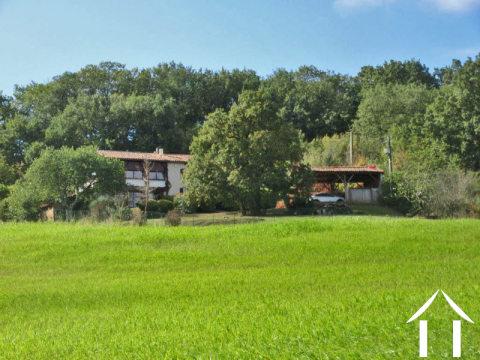 Gerenoveerde boerderij 180m2 landelijk gelegen met een mooi uitzicht , tuin 2439 m2 en een stuk bos Ref # MPP9072