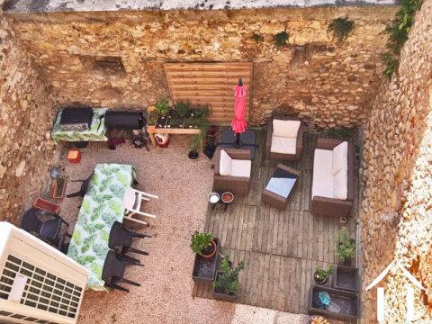 Dorpshuis 164m2 gerenoveerd met smaak  en een binnen cour 45m2, grange/schuur 45m2 en tuin 206m2 op Ref # MPP9079