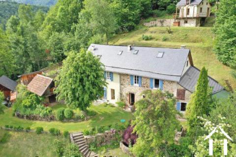 Prachtig berghuis met 2 gites, zwembad, sauna en 8,5 ha grond, prachtig uitzicht op de bergen in de Ref # MPPDJ019